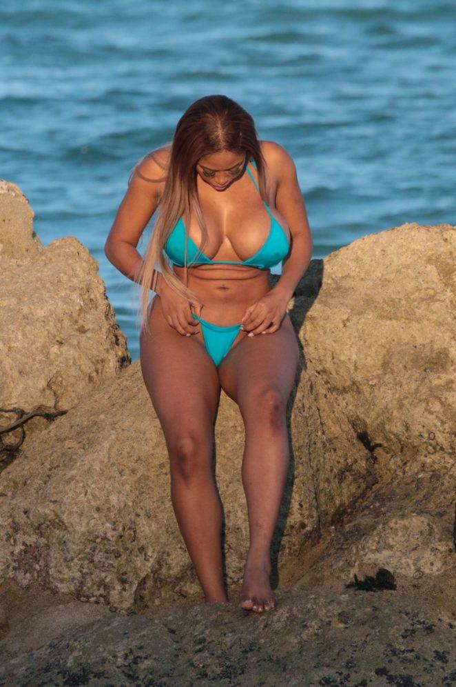 Moriah Mills 2017 : Moriah Mills in Bikini: Photoshoot -31