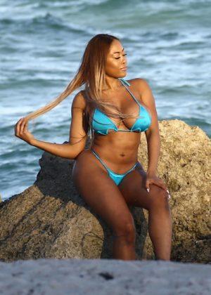 Moriah Mills in Bikini Photoshoot on the beach in Miami Pic 17 of 35