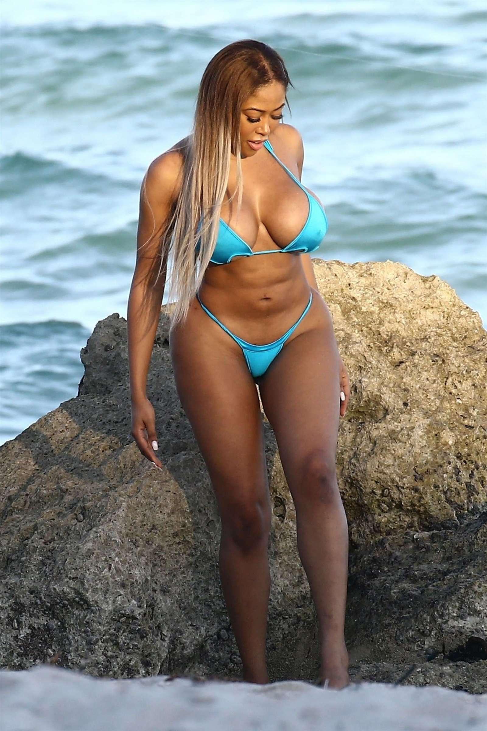 Moriah Mills 2017 : Moriah Mills in Bikini: Photoshoot -47