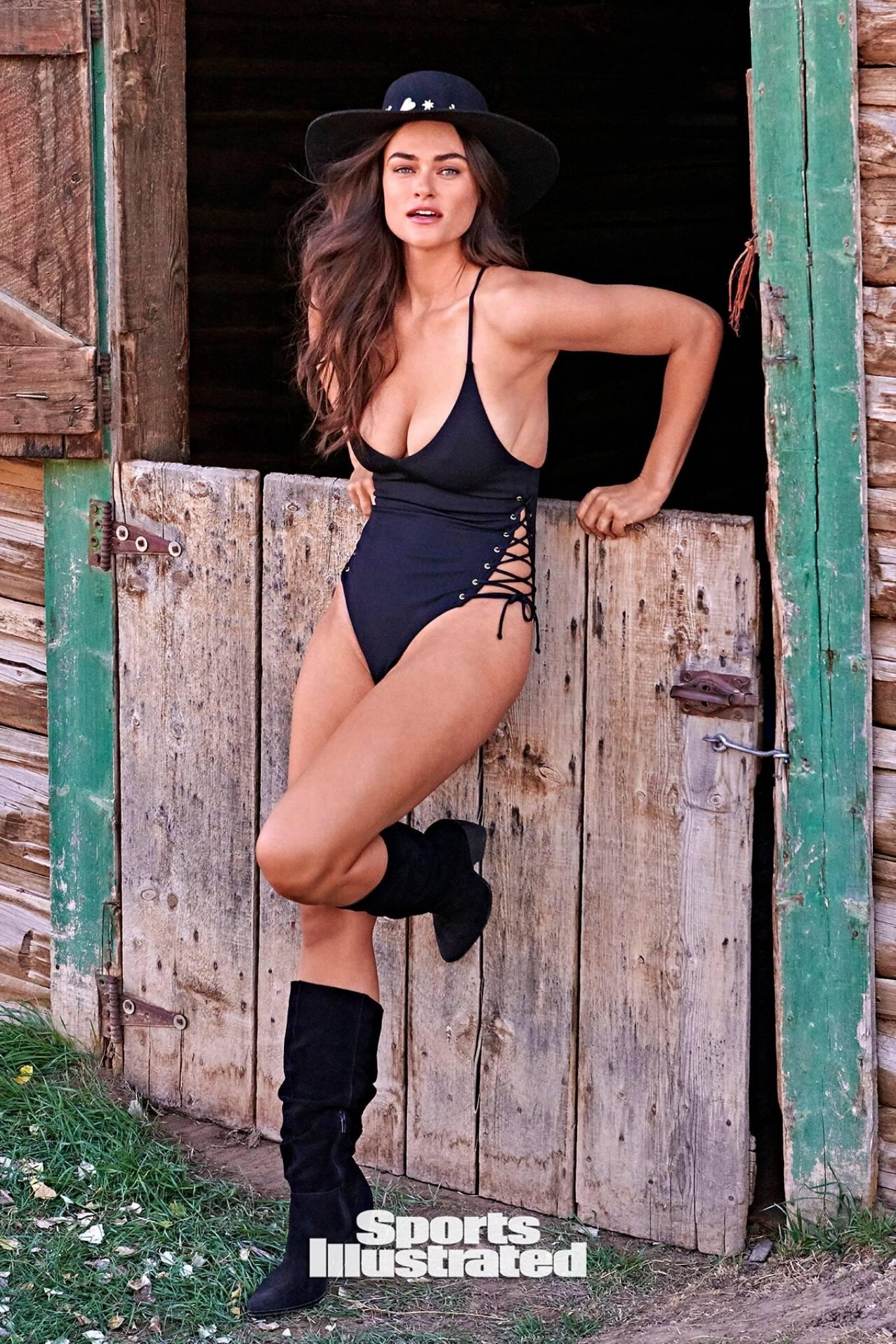 Sports Illustrated: Swimsuit Edition - Myla Dalbesio 20