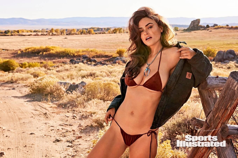 Myla Dalbesio - Sports Illustrated Swimsuit 2020 Issue-16