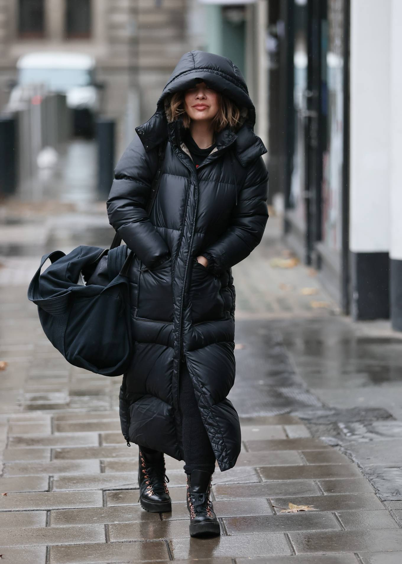 Myleene Klass - In a warm coat arriving at Smooth radio in London