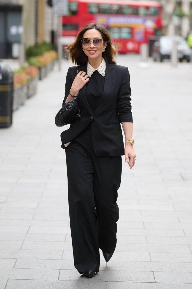 Myleene Klass - Looks stylish arriving at the Global Radio