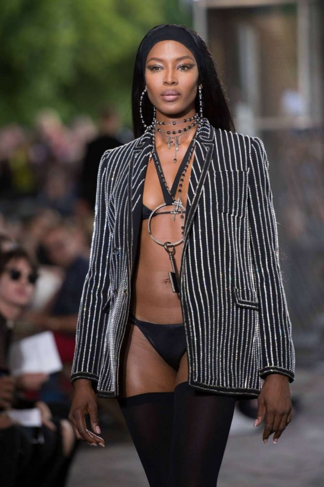 Naomi Campbell - Givenchy 2016 Fashion Show in Paris