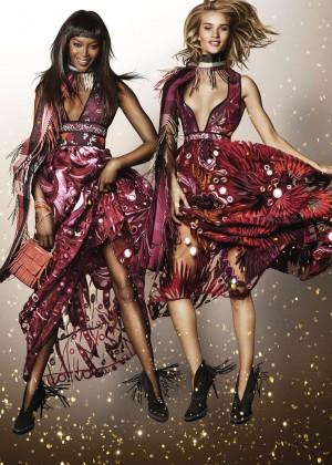 Naomi Campbell & Rosie Huntington-Whiteley - Mario Testino for Burberry Holiday 2015