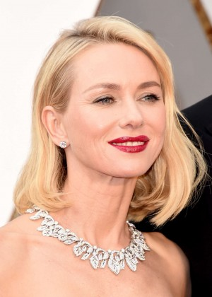 Naomi Watts – 2016 Academy Awards in Hollywood