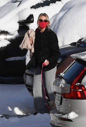 Naomi Watts and Liev Schreiber - At the ski resort of Cortina d'Ampezzo - Italy