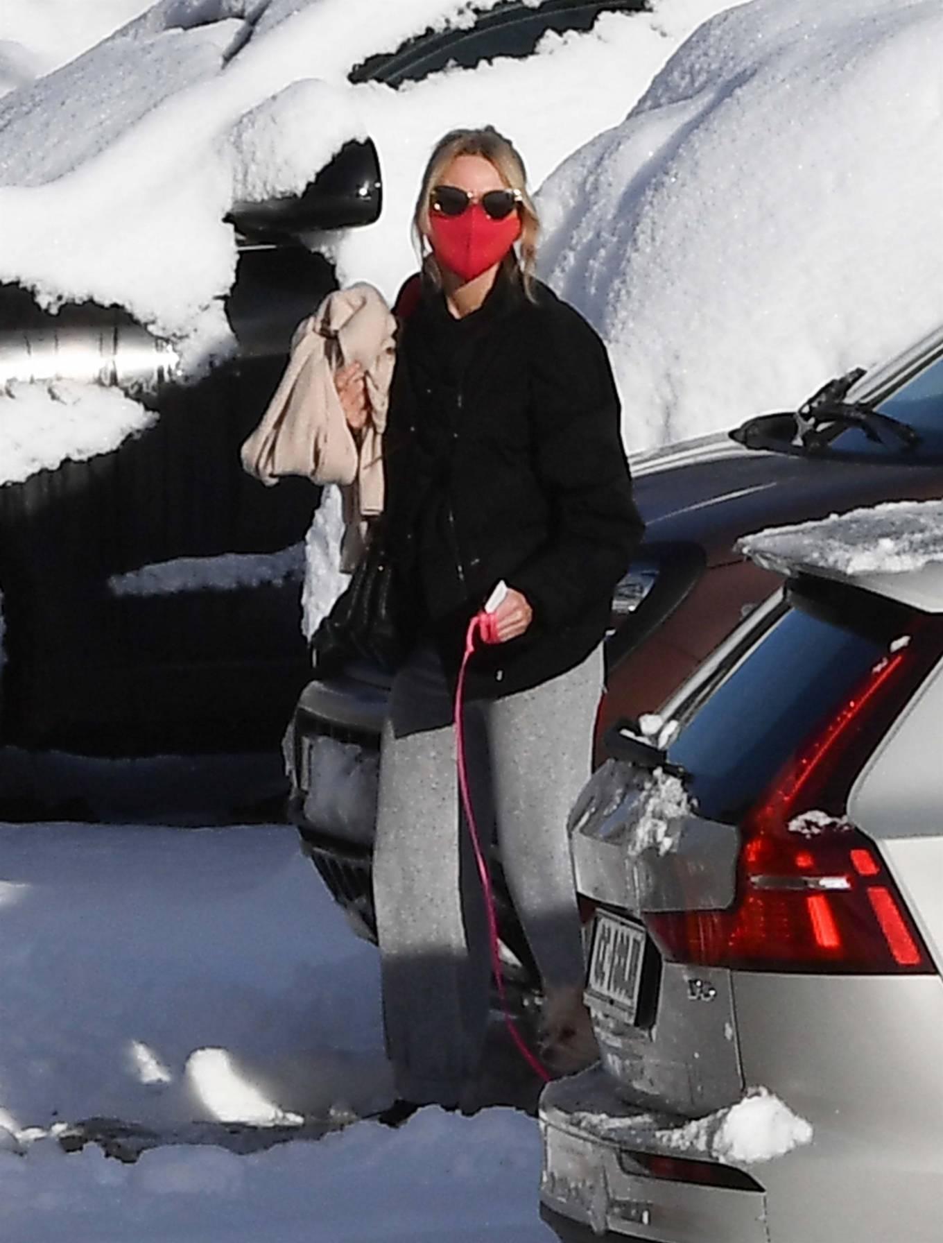 Naomi Watts and Liev Schreiber - At the ski resort of Cortina d'Ampezzo - Italy
