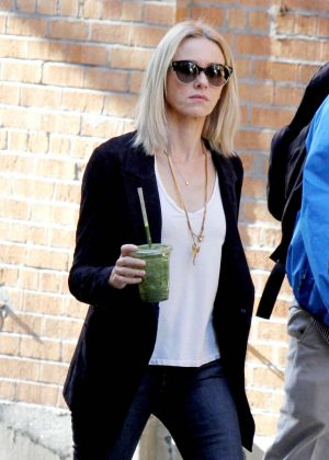Naomi Watts - Filming Netflix Series 'Gypsy' in New York
