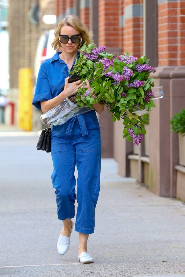 Naomi Watts in Denim Jumpsuit -02