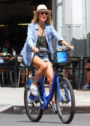 Naomi Watts in Shorts - Bike Ride in New York City