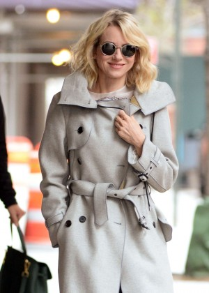 Naomi Watts - Leaving her apartment in New York