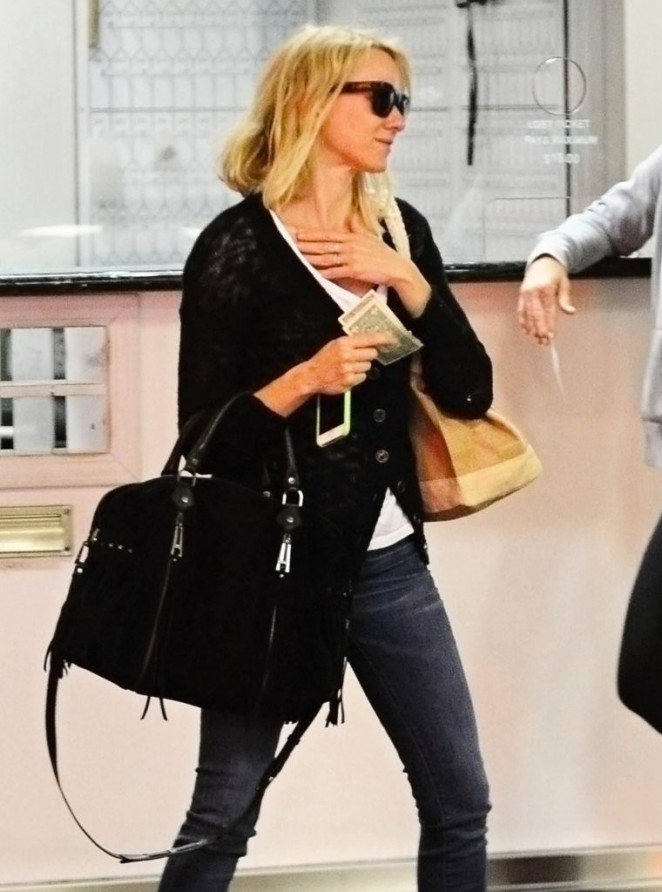 Naomi Watts - Leaving the gym in LA