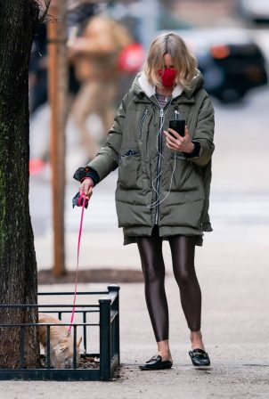 Naomi Watts - Out for a dog walk in New York City
