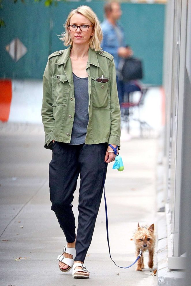 Naomi Watts - Out for a morning walk with her dogs in New York