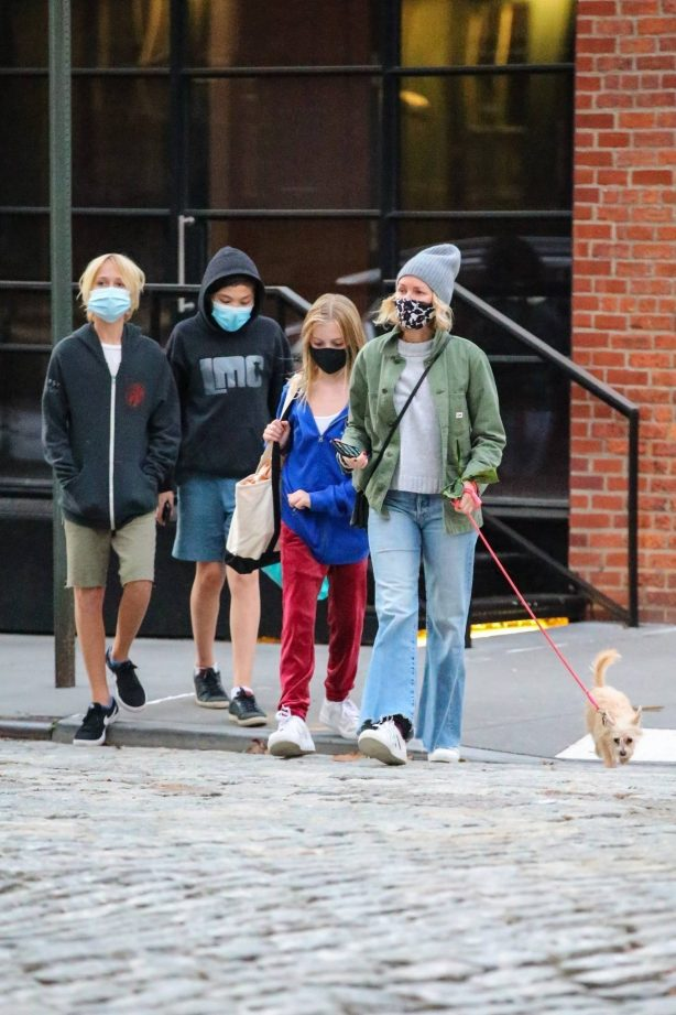 Naomi Watts - Out in New York with her kids