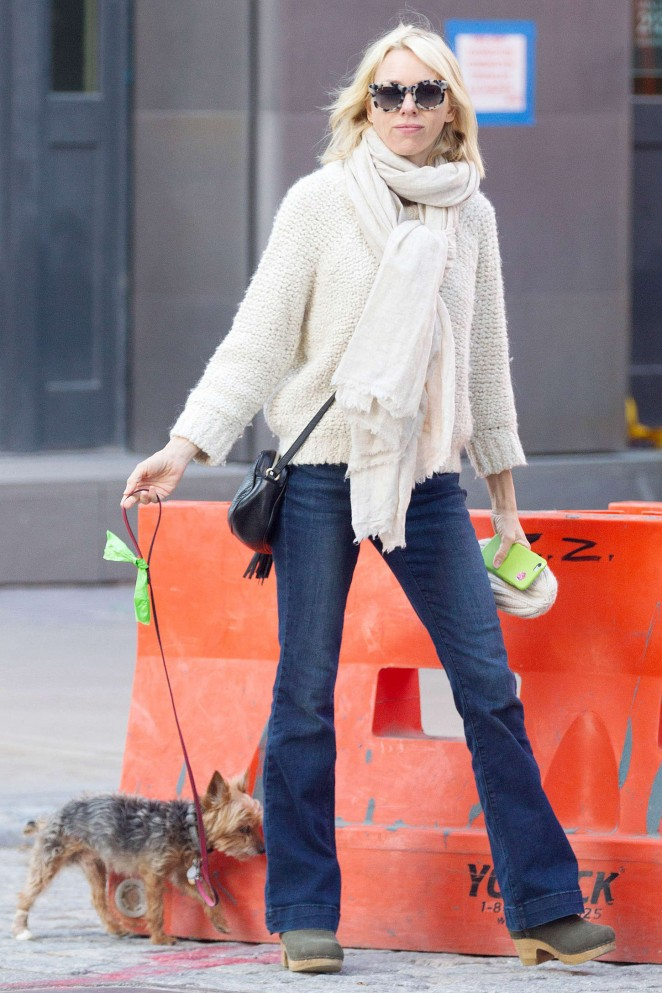 Naomi Watts walking her dog in NYC