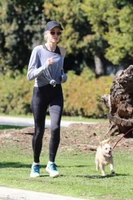 Naomi Watts with Liev Schreiber goes for a jog in Brentwood
