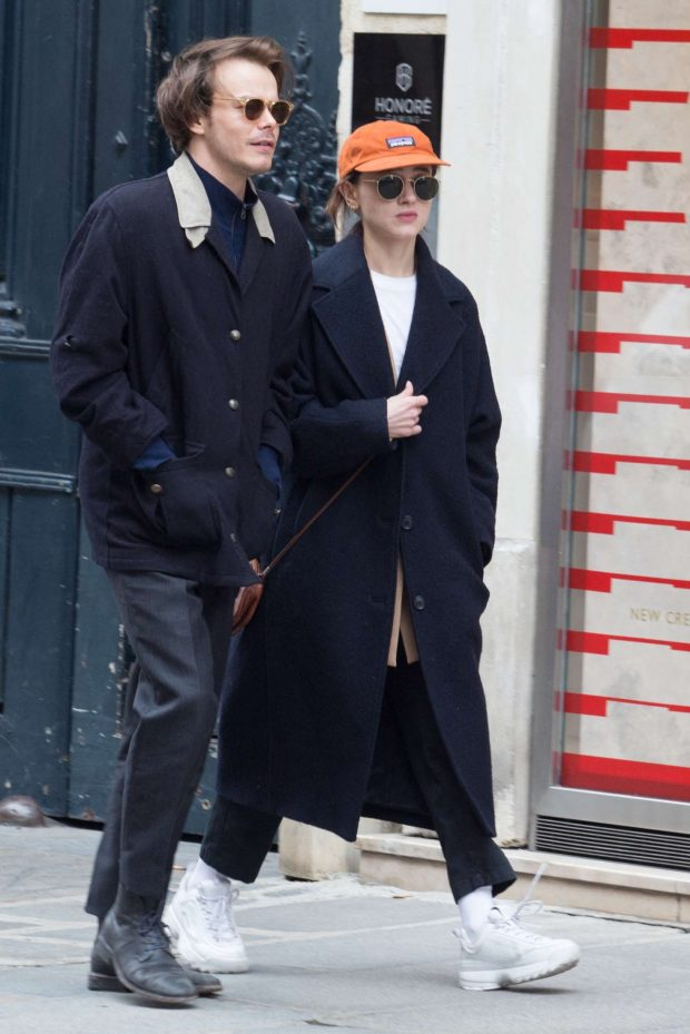 Natalia Dyer and Charlie Heaton - Out and about in Paris