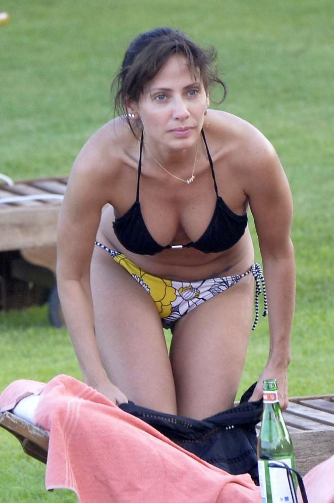 Natalie Imbruglia in Bikini in Sardinia