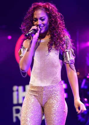 Natalie La Rose - Q102's Jingle Ball 2015 in Philadelphia
