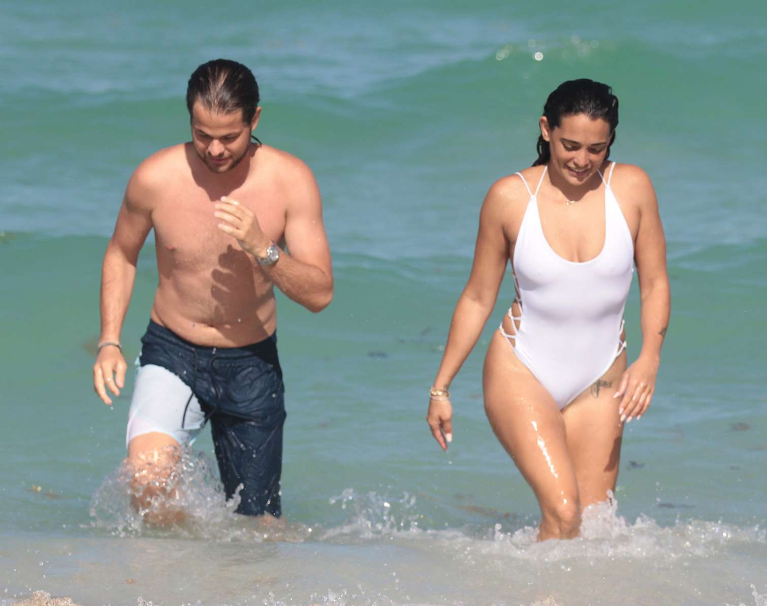 pictures Natalie martinez shows off her swimsuit body in miami beach
