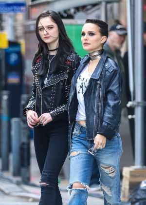 Natalie Portman and Raffey Cassidy - Filming new movie 'Vox Lux' in New York