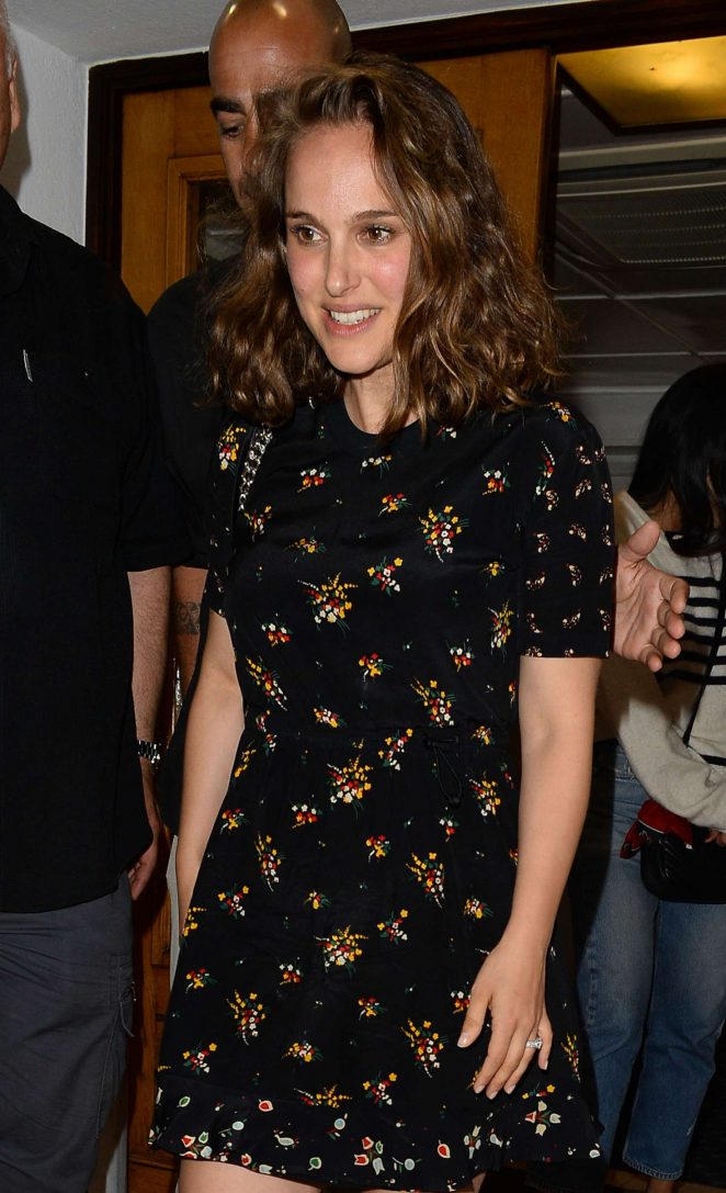 Natalie Portman at Tetou restaurant in Cannes