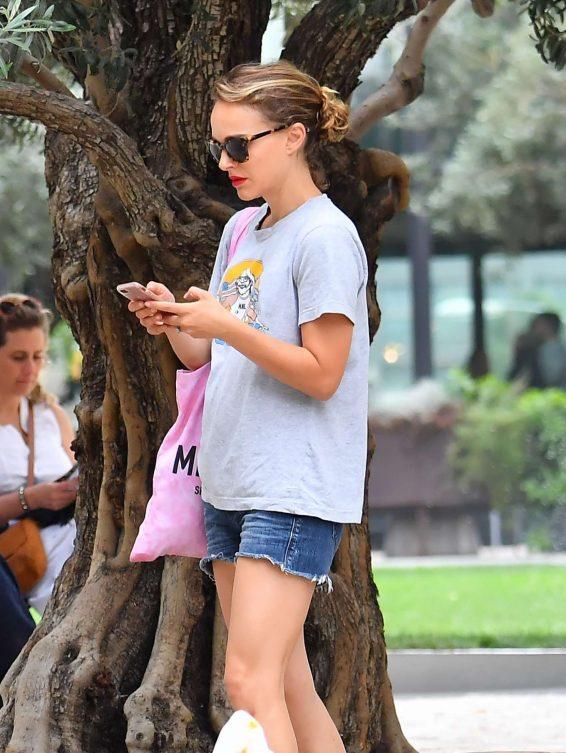 Natalie Portman 2019 : Natalie Portman – Heading to the Broad Museum-01
