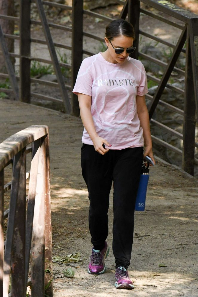 Natalie Portman Hiking in Los Feliz