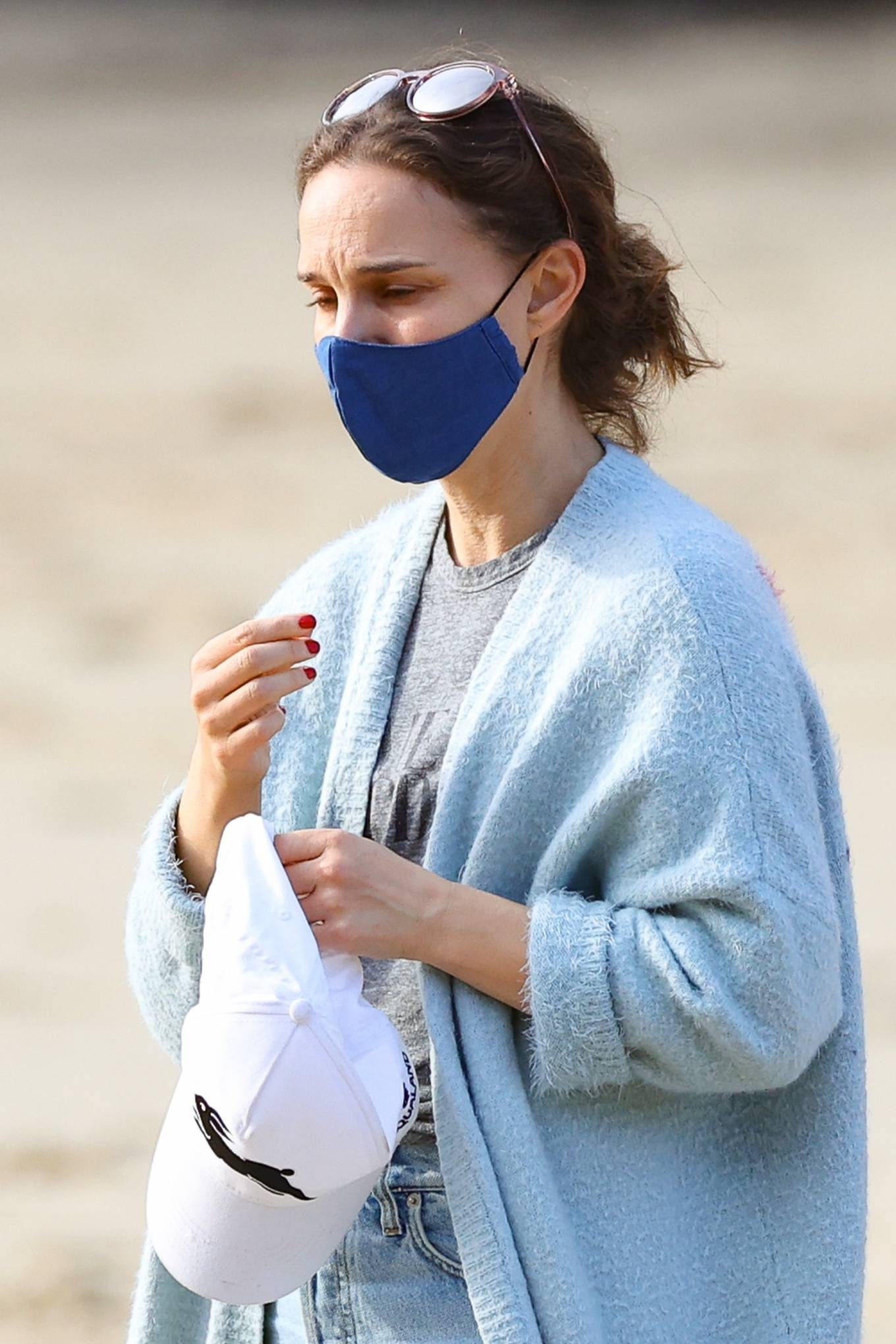 Natalie Portman - is spotted at Parsley Bay beach in Sydney