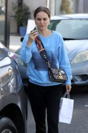 Natalie Portman - Leaves a lunch outing at Crossroads Kitchen restaurant in West Hollywood