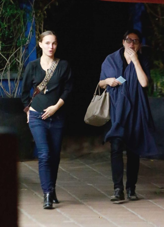 Natalie Portman – Leaving a Restaurant in Los Angeles