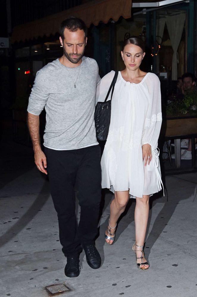 Natalie Portman: Leaving Il Buco Italian Restaurant -01