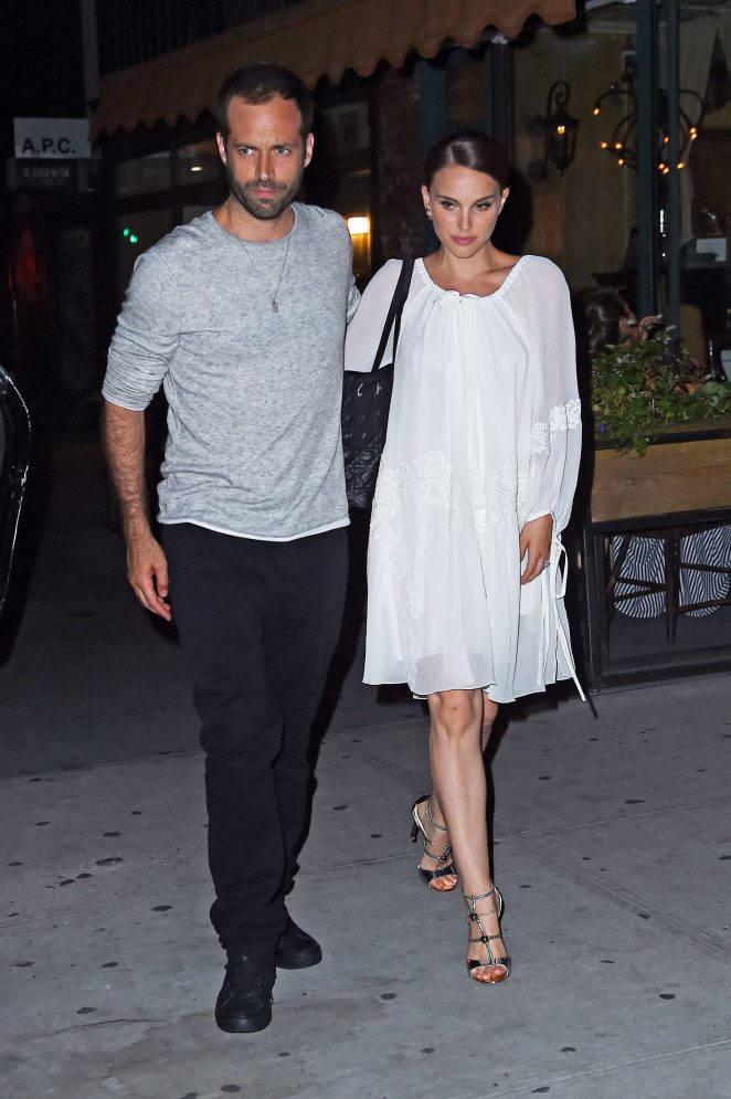Natalie Portman: Leaving Il Buco Italian Restaurant -05