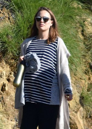 Natalie Portman out for a hike in Los Feliz