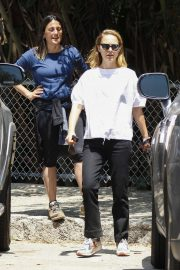 Natalie Portman - Out for a walk at Griffith Park in Los Angeles
