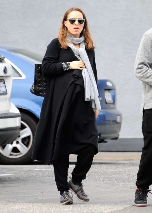 Natalie Portman out for lunch in Los Angeles