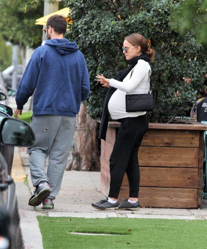 Natalie Portman Out for lunch in Los Feliz