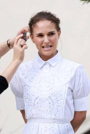 Natalie Portman - Photoshoot candids in Vaucluse
