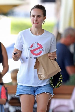 Natalie Portman - Seen wearing a Ghostbusters T Shirt with denim shorts in Sydney