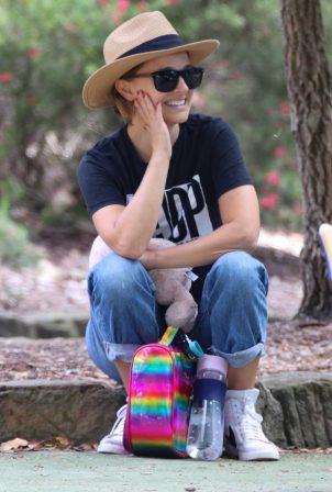 Natalie Portman - Spotted at a Park in Sydney