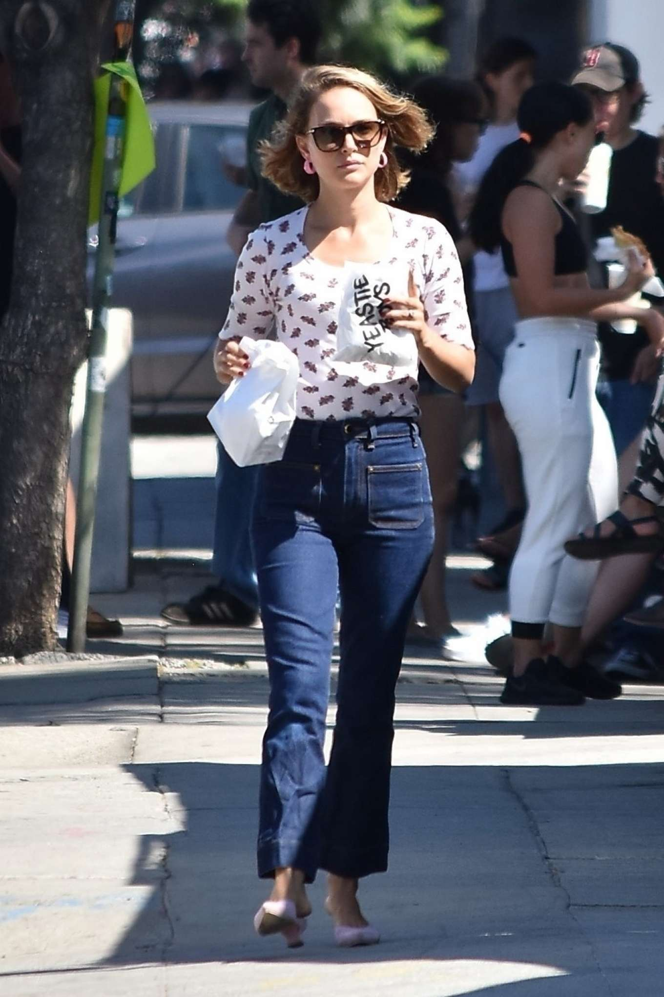 Natalie Portman - steps out in Los Angeles