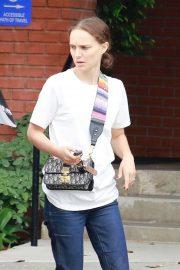 Natalie Portman - Visit a doctor in Santa Monica