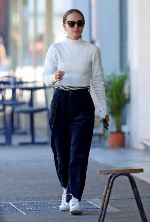 Natalie Portman - Wears a cream sweater out in Sydney