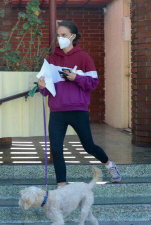 Natalie Portman - Wears a purple hoody and black leggings in Los Feliz