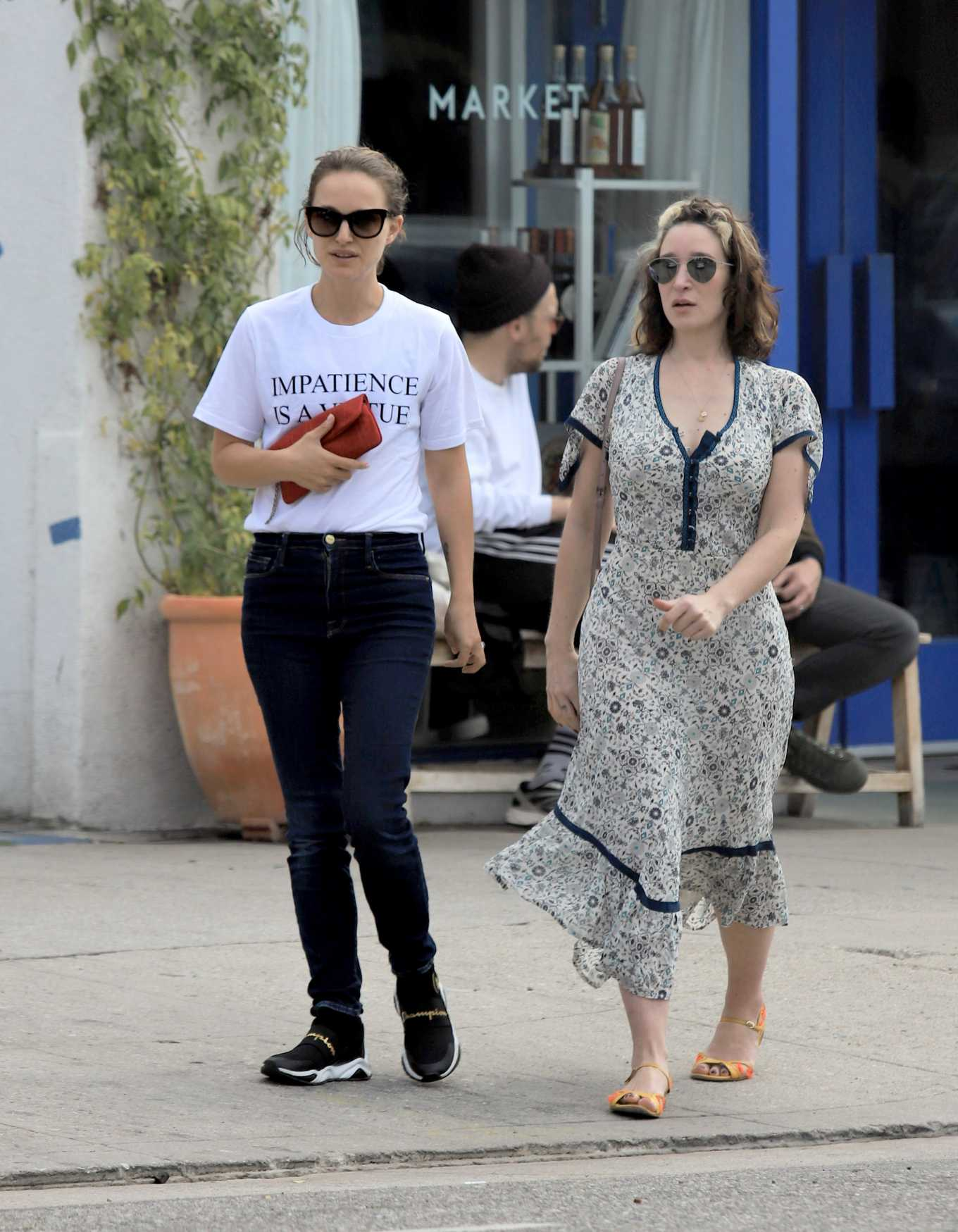 Natalie Portman with Emma Forrest - Stroll in Los Angeles