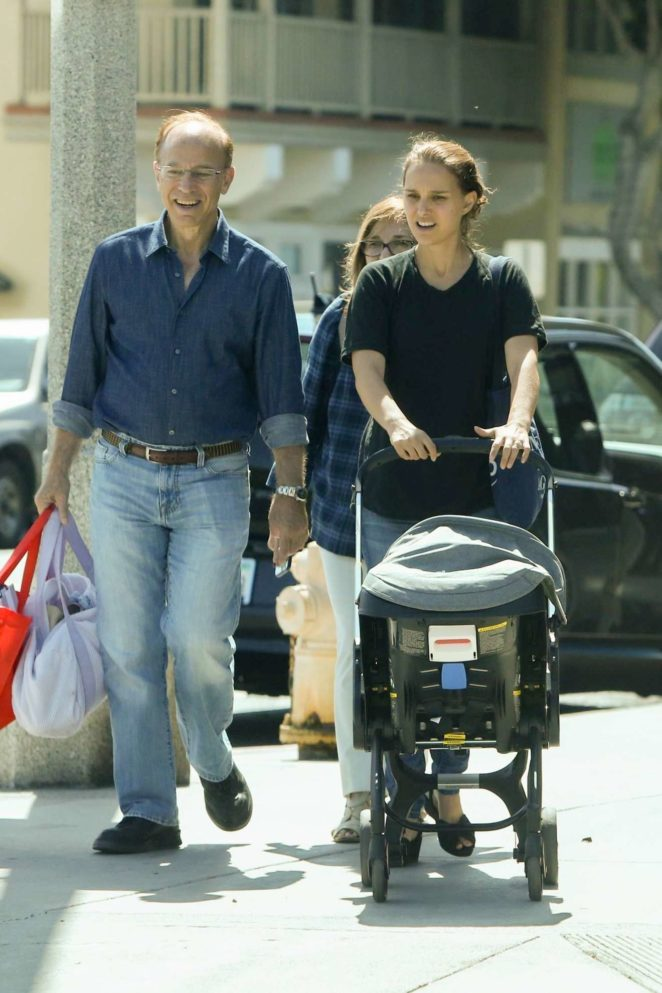 Natalie Portman - With her parents in Santa Monica