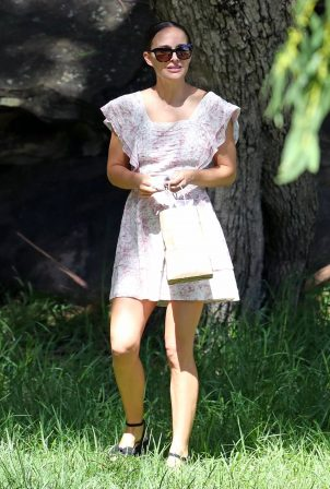 Natalie Portman - With husband Benjamin Millepied in Sydney