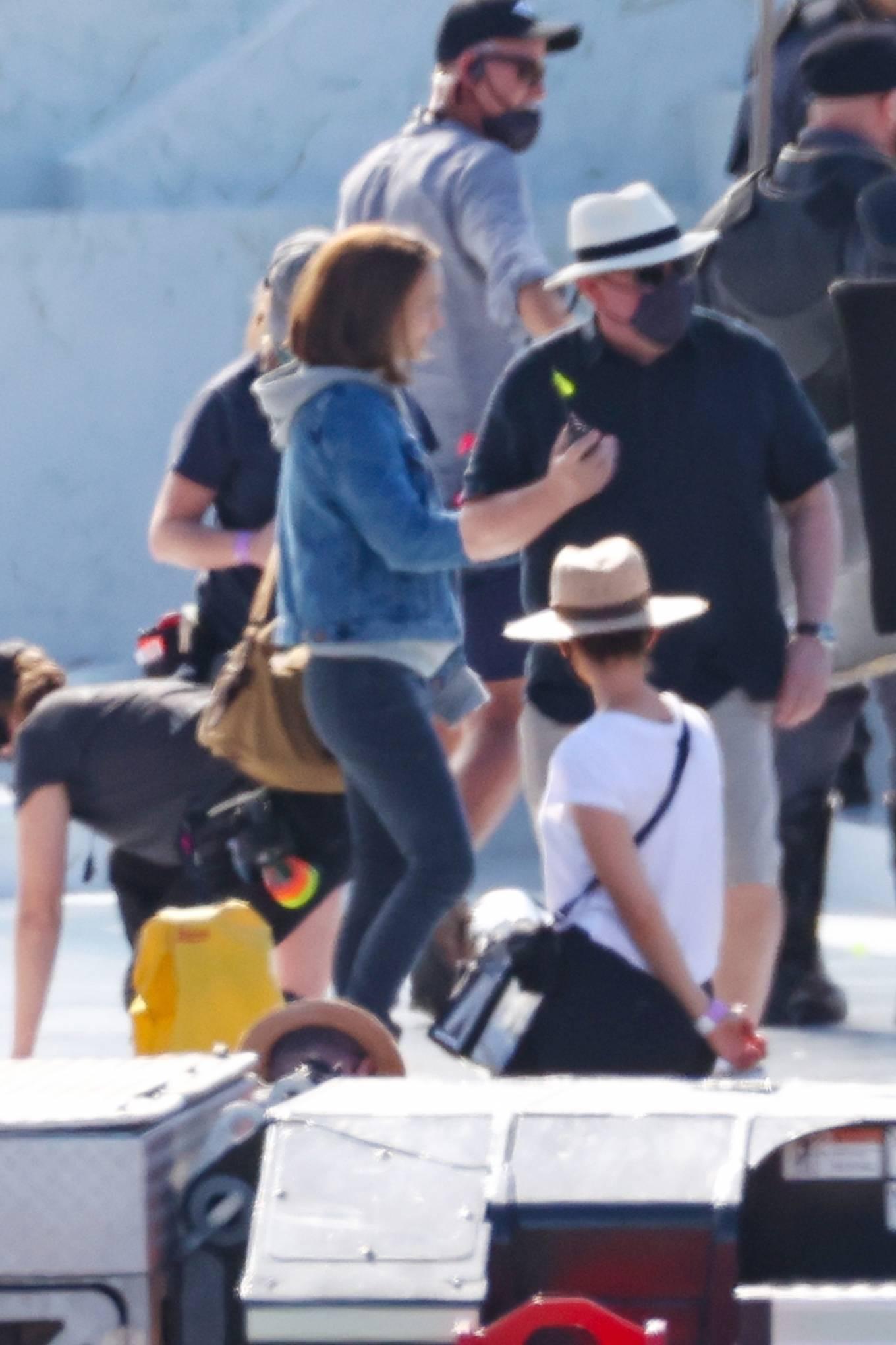 Natalie Portman 2021 : Natalie Portman – With Tessa Thompson filming in Sydney-04